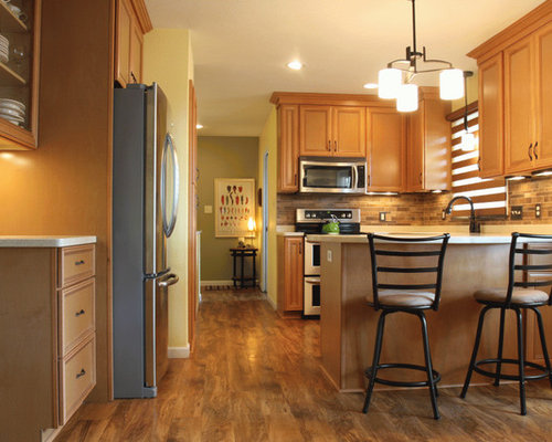 Small Southwestern Eat In Kitchen Photos   Example Of A Small Southwest  U Shaped