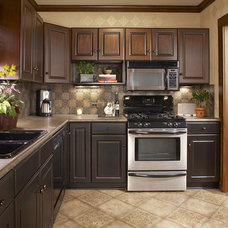 Traditional Kitchen by Grace Designs Dallas