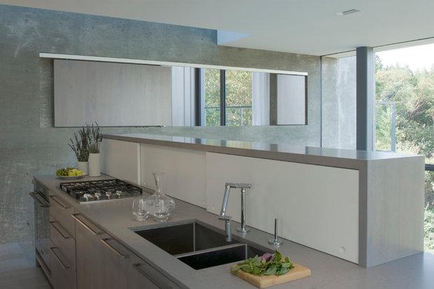 Modern Kitchen by Cooper Joseph Studio
