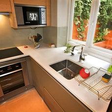 Modern Kitchen by LWK Kitchens London