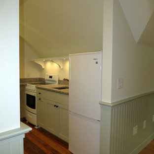 Small Kitchen with everything you need