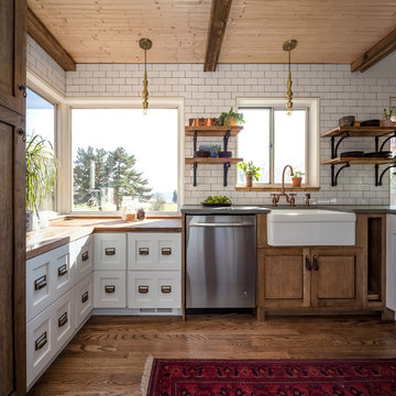 Small Rustic Farmhouse Kitchen