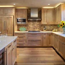 Modern Kitchen by V. Betty Inc. Interior Design