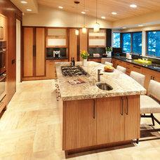 Modern Kitchen by Robyn Scott Interiors, Ltd.