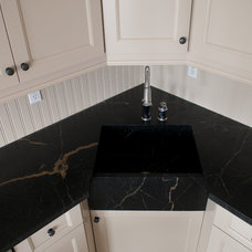 Traditional Kitchen by Green Mountain Soapstone