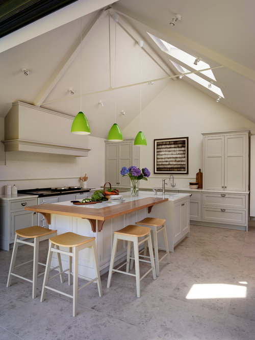 Elegant Example Of A Country Kitchen Design In Oxfordshire Home Design Ideas