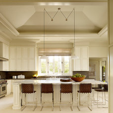 Traditional Kitchen by BAR Architects