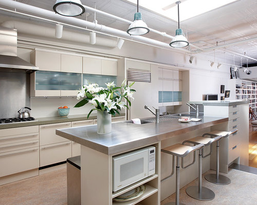 Kitchen with Beige Cabinets Design Ideas & Remodel Pictures | Houzz