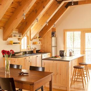 Solar Barn - Custom Kitchen and Dining