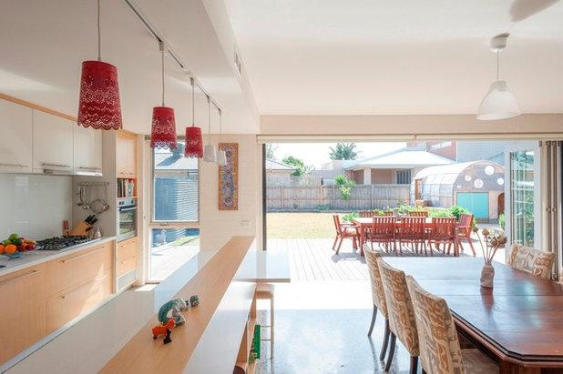 Modern Kitchen by Positive Footprints Pty Ltd