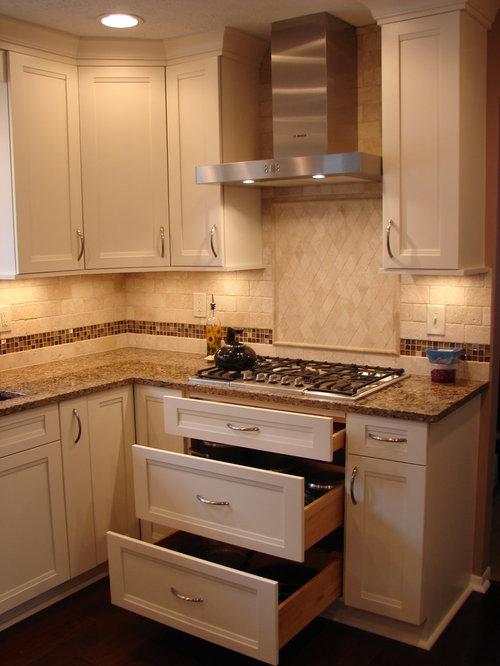 Affordable cleveland kitchen design ideas renovations for 10x11 kitchen designs