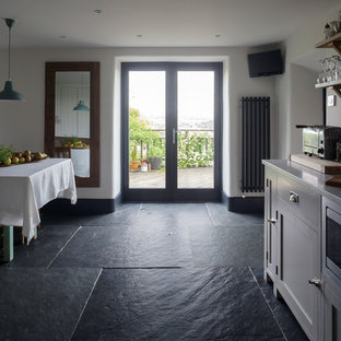 Farmhouse kitchen inspiration - Inspiration for a cottage kitchen remodel in Cornwall