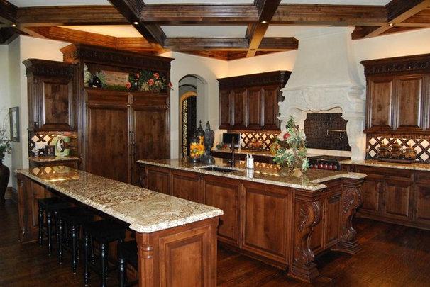 Mediterranean Kitchen by Korel Home Designs