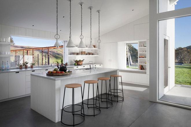 Farmhouse Kitchen by Turnbull Griffin Haesloop