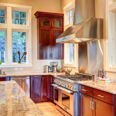 Traditional Kitchen by Decker Bullock Sotheby's International Realty