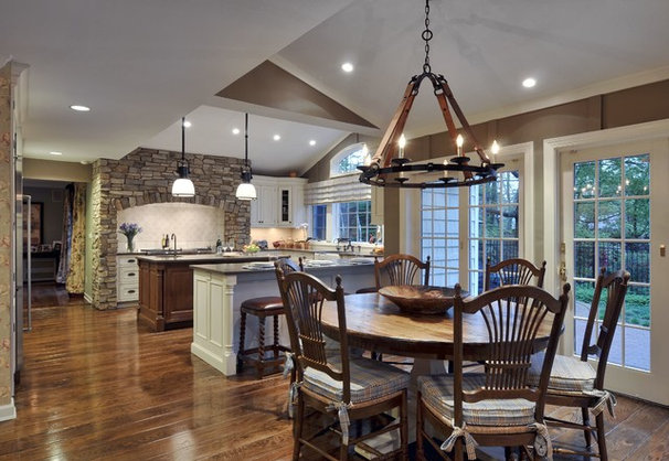 Traditional Kitchen by Showcase Kitchens