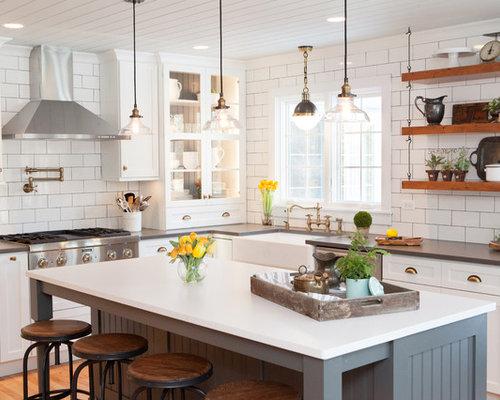 Farmhouse kitchen with subway tile backsplash design ideas for Farm style kitchen backsplash