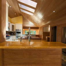 Craftsman Kitchen by Kevin S. Robinson Construction Inc.