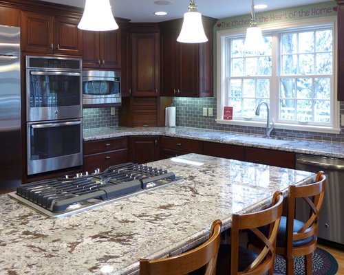 Traditional L Shaped Eat In Kitchen Idea In Salt Lake City With An  Undermount