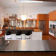 Industrial Kitchen by Studio Durham Architects
