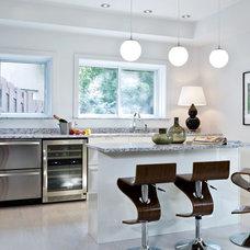 Contemporary Kitchen by Rénovation Deschênes