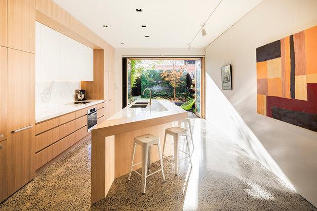 Contemporary Kitchen by Mitsuori Architects
