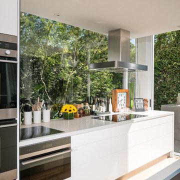 South Yarra Kitchen - Celebrity Kitchen - Peter Alexander