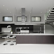 Modern Kitchen by C O N T E N T Architecture