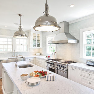 Design ideas for a traditional kitchen in New York with subway tile splashback.