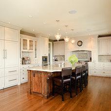 Traditional Kitchen by Beyond Beige Interior Design Inc.