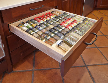 Southeast 1808 - Kitchen Cabinet Spice Rack