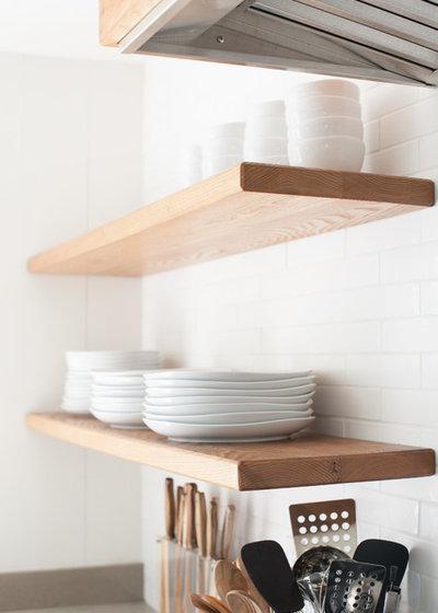 Coastal Kitchen by allee architecture + design, llc