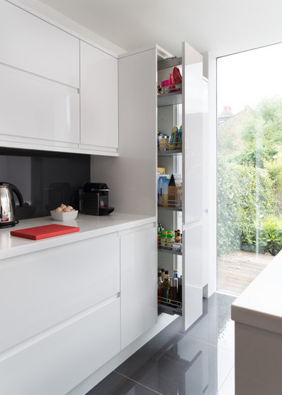 Contemporary Kitchen by London Contemporary