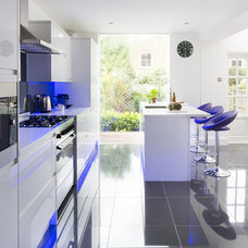 Contemporary Kitchen by APD Interiors