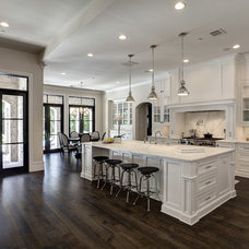 Mediterranean Kitchen by Simmons Estate Homes