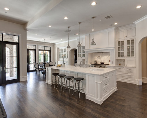 Traditional Eat In Kitchen Pictures   Example Of A Classic Dark Wood Floor  Eat  Part 41