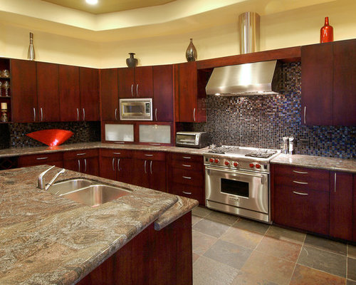 Kitchens with cherry wood cabinets houzz for Cherry wood kitchen cabinets price