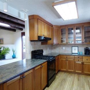 Small southwestern kitchen pictures - Small southwest kitchen photo in Albuquerque
