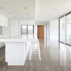 Modern Kitchen by make interiors