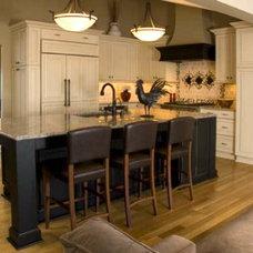 Traditional Kitchen by Michelle Drenckhahn