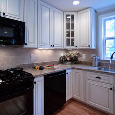 Traditional Kitchen by Rule4 Building Group