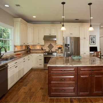 Spacious Mother In Law Suite Addition Plus a Four Car Garage in Centreville, VA
