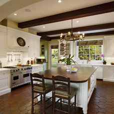mediterranean kitchen by DD Ford Construction, Inc