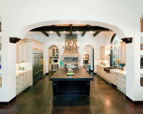 Spanish kitchen houzz for Spanish style kitchen designs