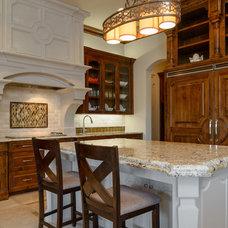 Mediterranean Kitchen by Atrium Fine Homes