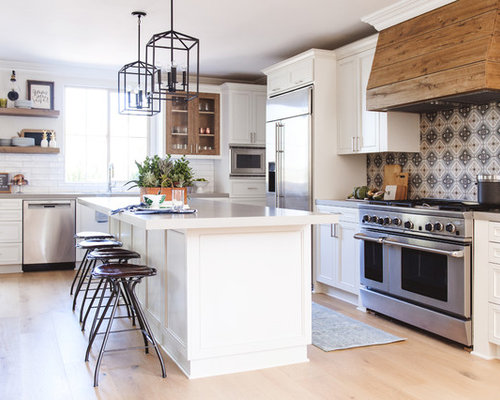 Mid Sized Transitional Open Concept Kitchen Photos   Inspiration For A  Mid Sized Transitional