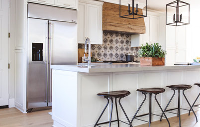 This Kitchen Keeps Its Layout but Gets a New Spanish Modern Look