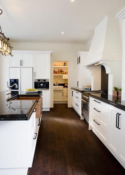 Mediterranean Kitchen by Mal Corboy Design