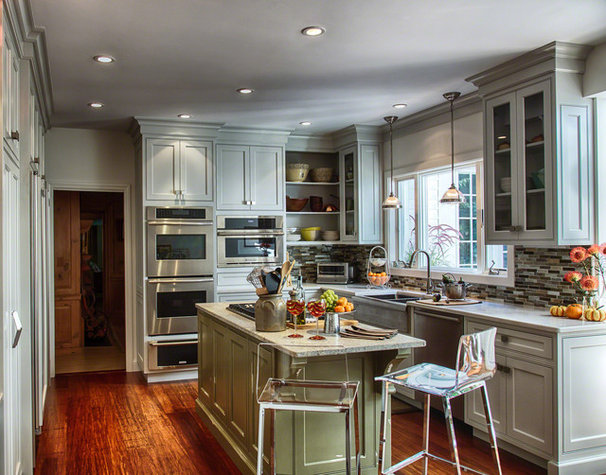 Traditional Kitchen by Auburndale Builders LLC.