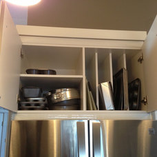 Modern Kitchen by Florkowskys Woodworking & Cabinets LTD